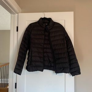 Thin packable puffer jacket